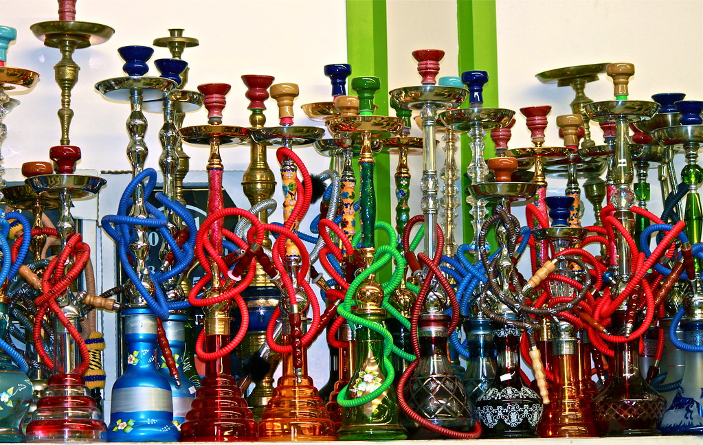 Essential Tips For Hookah Smoking On Cold Days